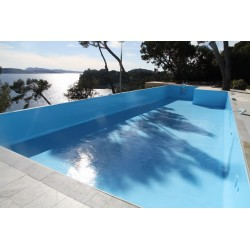 Support en polyester et gel coat r seau piscine for Peinture piscine epoxy