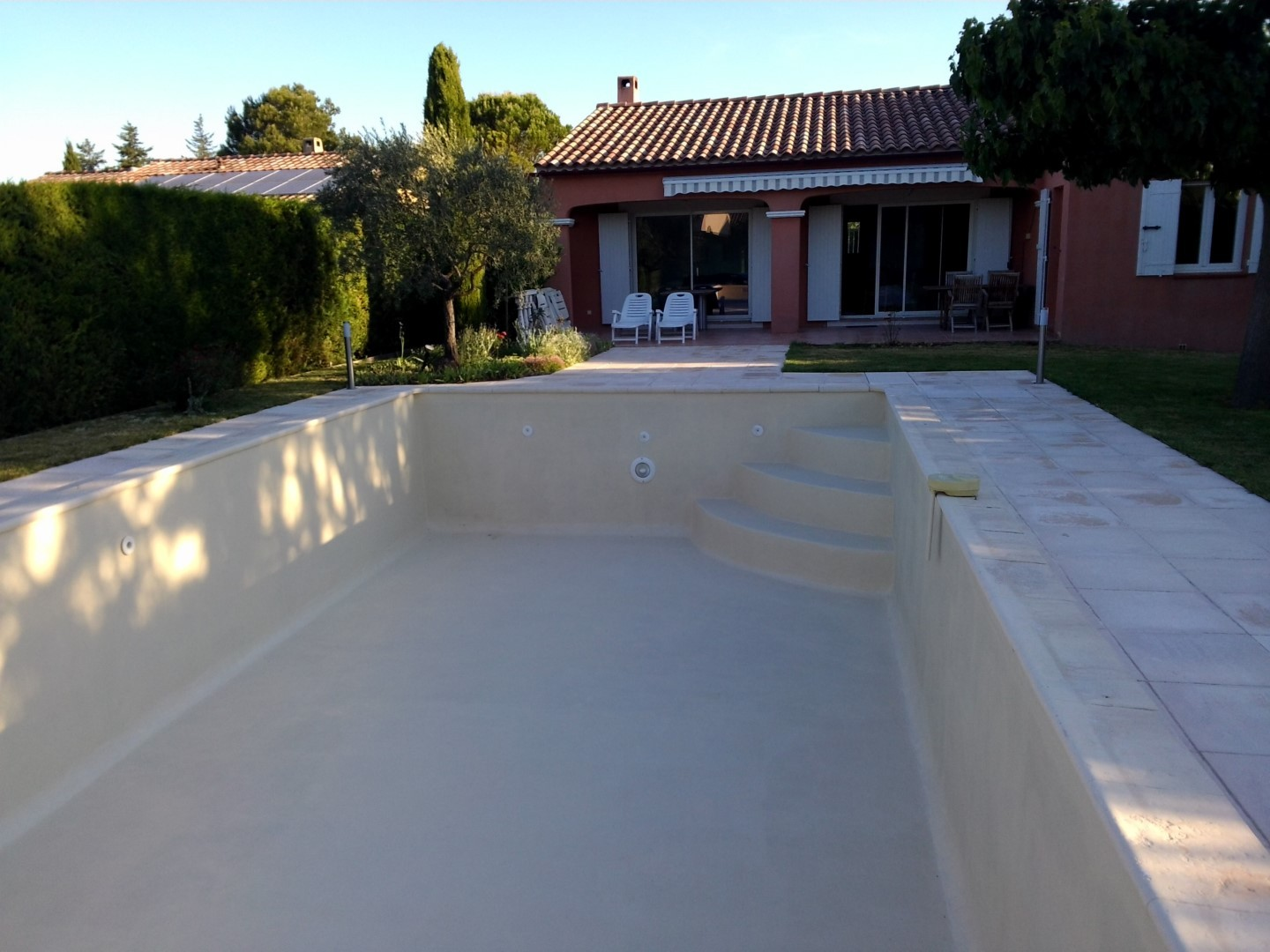 Revetement polyurthane good canape tissu with revetement for Peinture piscine beton